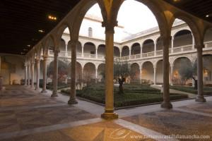 claustro-del-museo-de-santa-cruz-toledo